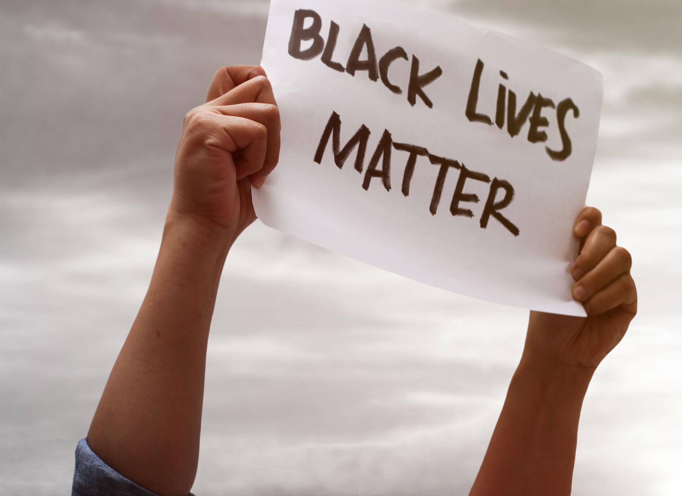 Black Lives Matter, Rassismus, Demonstrant mit Schild